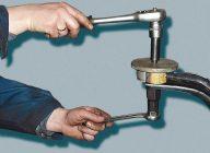 Как выпрессовать сайлентблок из рычага своими руками